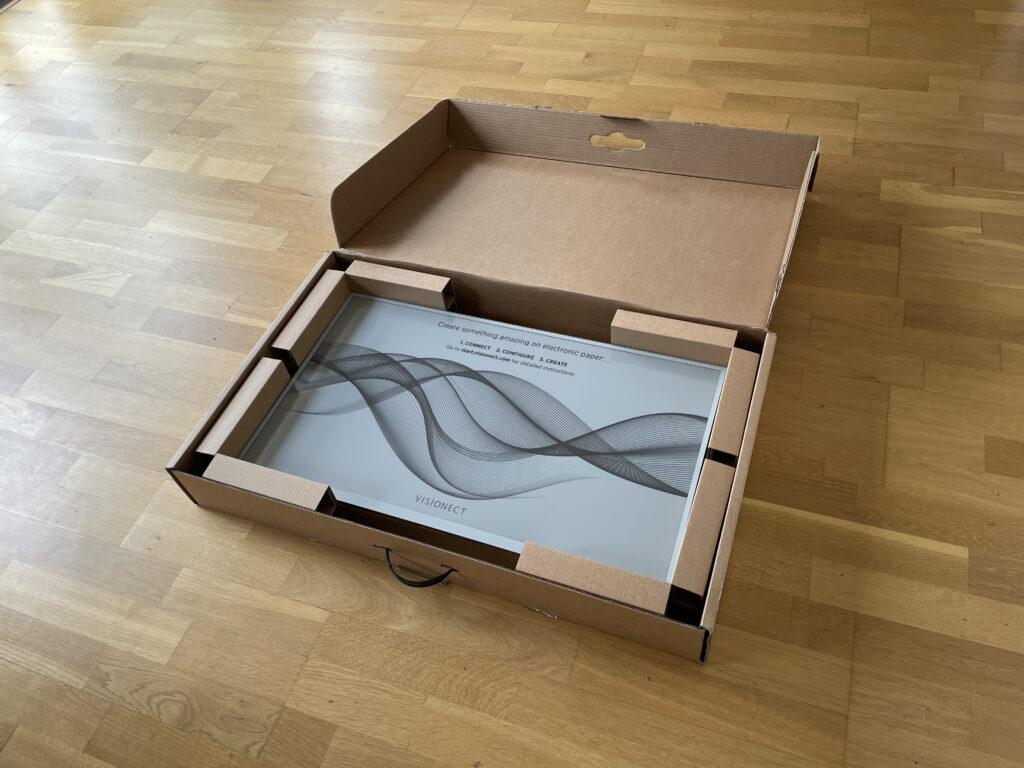 Boxed ePaper screen